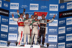 1st position Tiago Monteiro, Honda Civic Super 2000 TC, Honda Racing Team Jas, 2nd position Gabriele Tarquini, Honda Civic, Honda Racing Team J.A.S.  and 3rd position Norbert Michelisz, Honda Civic, Zengo Motorsport