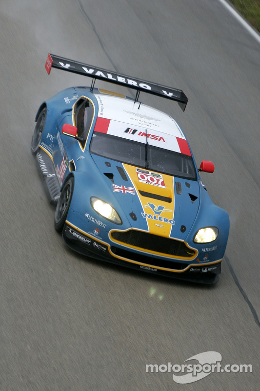 #007 The Racers Group Aston Martin Vantage