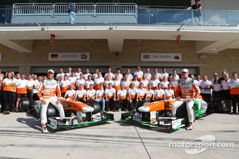 (L naar R): Adrian Sutil, Sahara Force India F1 en teamgenoot Paul di Resta, Sahara Force India F1 o