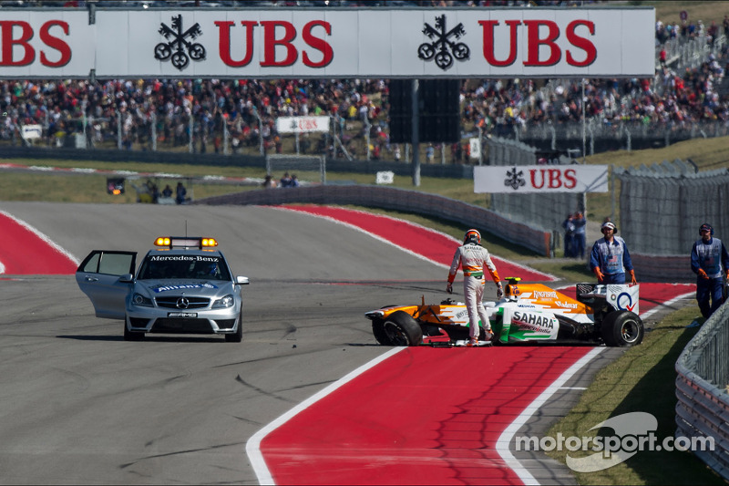 Adrian Sutil, Sahara Force India VJM06 crashes out of the race