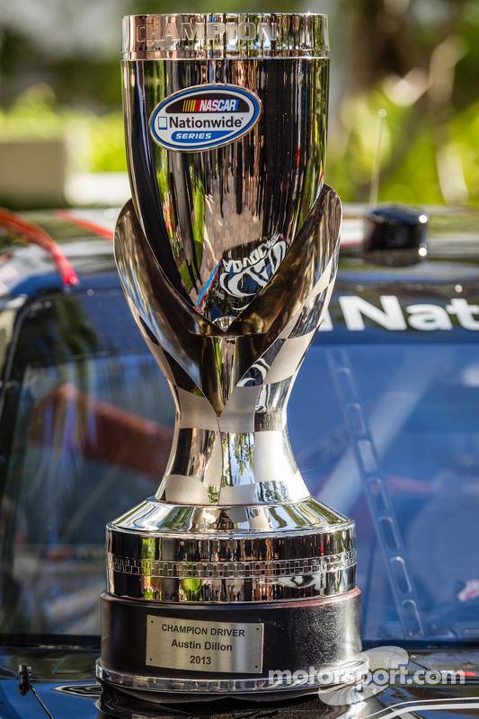 NASCAR Nationwide Series champion driver troféu