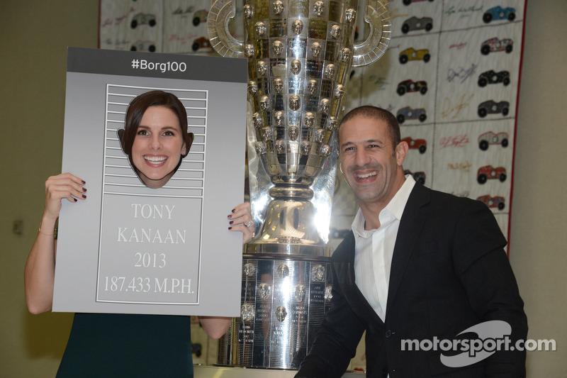 Тони канаан ищет сходства на трофее борга-уорнера