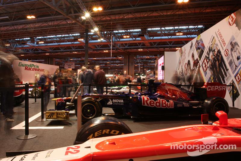 F1 Display