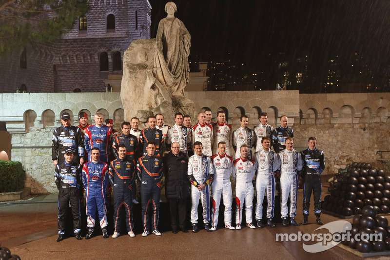 Drivers and co-drivers group photo