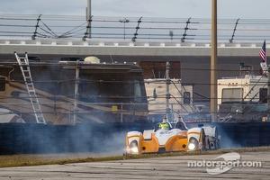 Spin for #8 Starworks Motorsport ORECA FLM09 Chevrolet: Mirco Schultis, Renger van der Zande, Eric Lux, Sam Bird