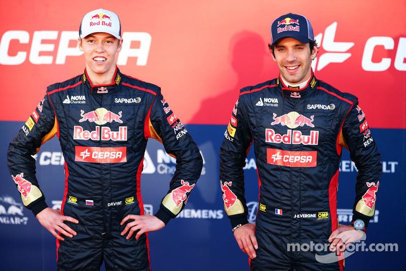 Daniil Kvyat and Jean-Eric Vergne unveil the Scuderia Toro Rosso STR9