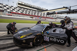 Pit stop for #556 Level 5 Motorsports Ferrari 458 Italia: Scott Tucker, Terry Borcheller, Mike LaMarra, Guy Cosmo