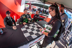 Scott Sharp, Ryan Dalziel, David Brabham