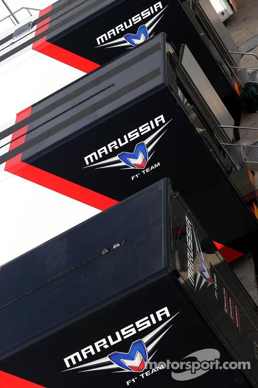 Marussia F1 Team; caminhão no paddock