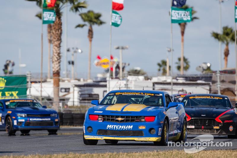 #62 Mitchum Motorsports 科迈罗 GS.R: 卡梅伦·劳伦斯, 刘易斯·柏拉图