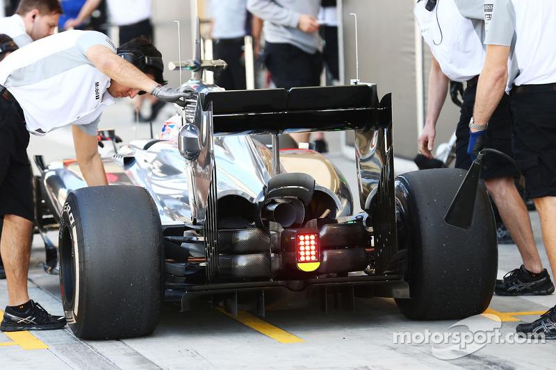Jenson Button, McLaren MP4-29 posteriore ala dettaglio
