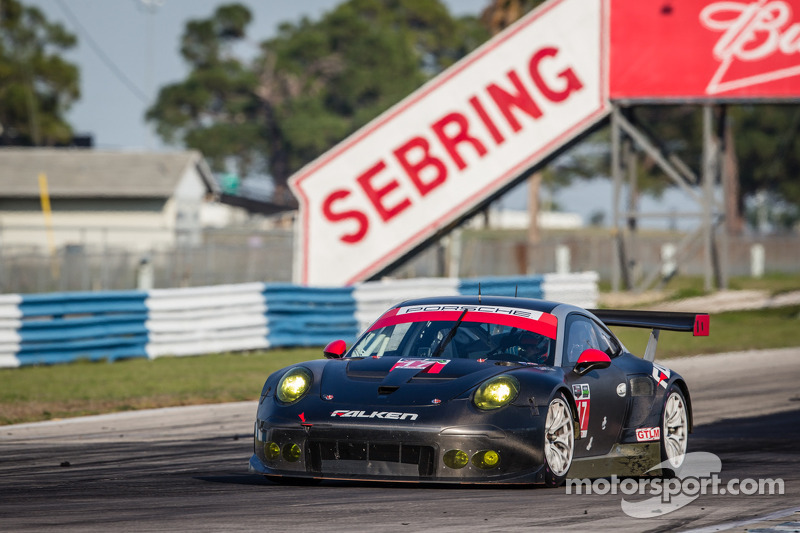 #17 Team Falken Tire Porsche 911 RSR: Wolf Henzler, Bryan Sellers, Marco Holzer