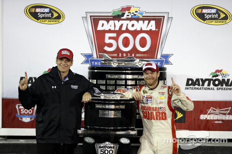 Ekip şefi Steve Letarte ve Dale Earnhardt Jr., Hendrick Motorsports Chevrolet