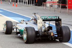 Nico Rosberg, Mercedes AMG F1 W05 rear wing and rear diffuser detail