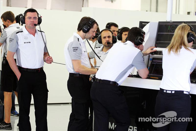 Eric Boullier, McLaren Yarış Direktörü, Ciaron Pilbeam, McLaren Şef Yarış Mühendisi
