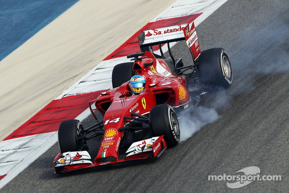 Fernando Alonso, Ferrari F14-T locks up under braking