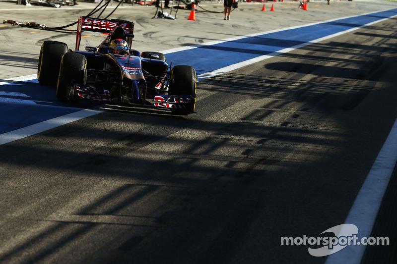 Jean-Eric Vergne, Scuderia Toro Rosso STR9 lascia i box