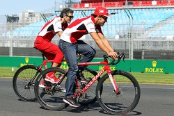 Fernando Alonso, Ferrari cycles the circuit with Edoardo Bendinelli, Personal Trainer