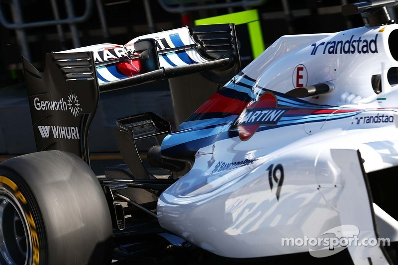 Felipe Massa, Williams FW36 rear wing.