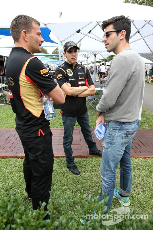 Pastor Maldonado, Lotus F1 Team, e Jaime Alguersuari (ESP)