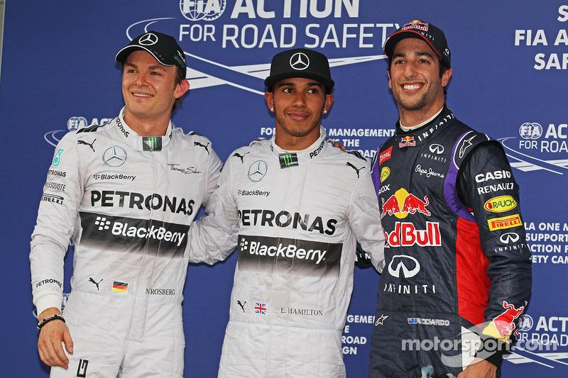 Nico Rosberg, Mercedes AMG F1, tercero; Ganador de la pole position Lewis Hamilton, Mercedes AMG F1
