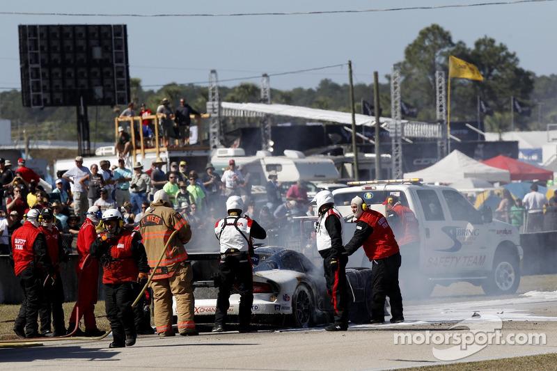 Problemi per la # 33 Riley Motorsports SRT Viper GT3-R: Ben Keating, Jeroen Bleekemolen, Sebastiaan Bleekemolen