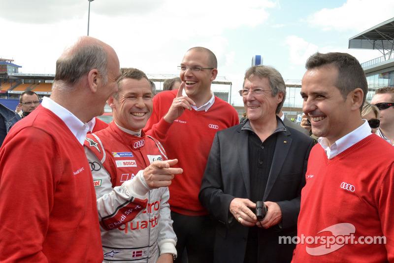 Dr. Wolfgang Ullrich, Audi Motorsporları Başkanı, Tom Kristensen ve Benoit Tréluyer
