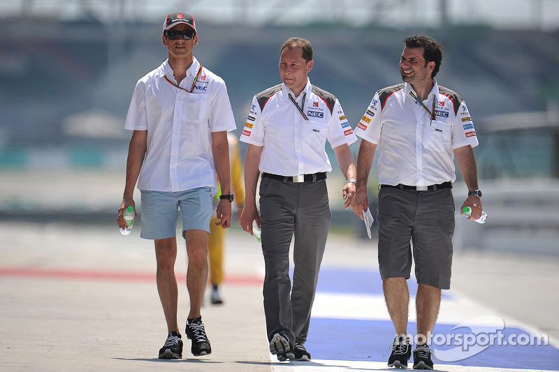 Adrian Sutil, Sauber, walks the circuit
