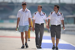 Adrian Sutil, Sauber, walks the circuit