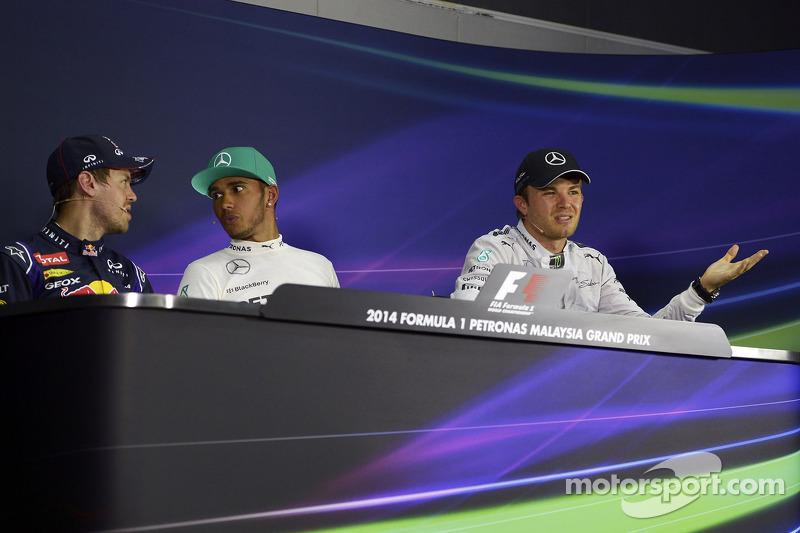 Conferenza stampa della FIA post qualifiche: Sebastian Vettel, Red Bull Racing, secondo; Lewis Hamil