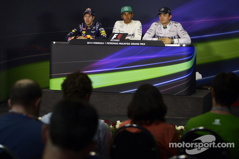 Conferenza stampa della FIA post qualifiche: Sebastian Vettel, Red Bull Racing, secondo; Lewis Hamilton, Mercedes AMG F1, pole position; Nico Rosberg, Mercedes AMG F1, terzo