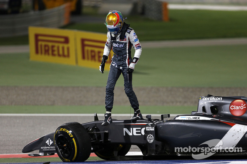 Esteban Gutierrez, Sauber F1 Takımı kazası ve Pastor Maldonado, Lotus F1 Takımı  06