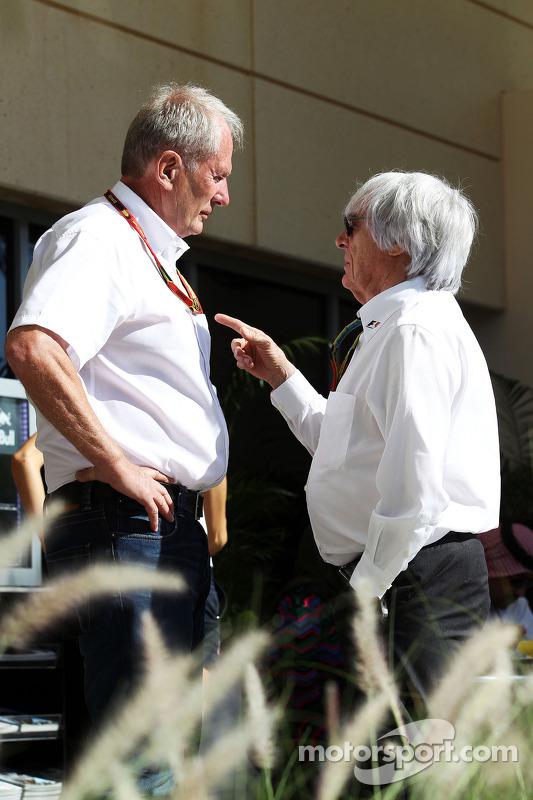 (Esquerda para direita): Dr Helmut Marko, consultor da Red Bull, com Bernie Ecclestone (GBR)