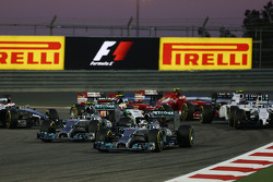 Lewis Hamilton, Mercedes AMG F1 W05 leads Nico Rosberg, Mercedes AMG F1 W05 at the start of the race
