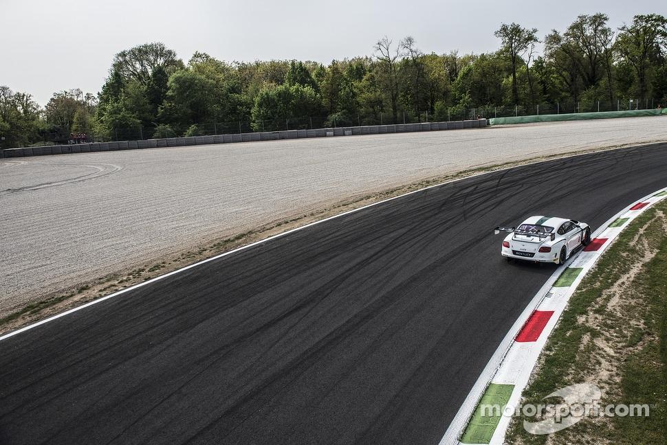 #8 M-Sport Bentley Bentley Continental GT3: Duncan Tappy, Antoine Leclerc, Jérôme d'Ambrosio