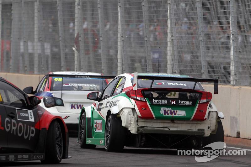 Kaza, Tiago Monteiro, Honda Civic WTCC, Castrol Honda WTC Takımı