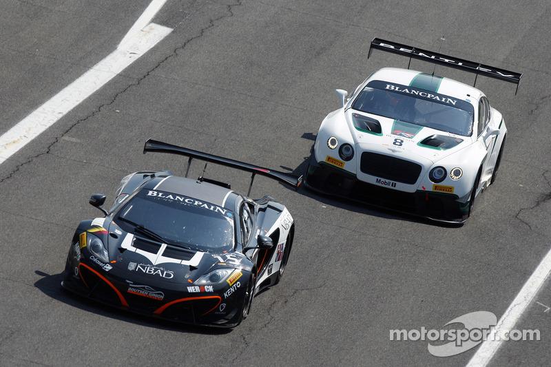 #15 Boutsen Ginion 迈凯伦 MP4-12C: 斯特夫·杜塞尔多普, 亚历山大·西姆斯 和 #8 M-Sport 宾利 宾利 Continental GT3: 邓肯·塔皮, 安东尼·勒
