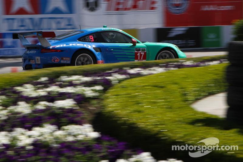 #17 Team Falken Tire Porsce 911 RSR: Wolf Henzler, Bryan Sellers