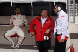 José María López, Citroën C-Elysée WTCC, Citroën Total WTCC e Yves Matton, Director General del Citroën Racing