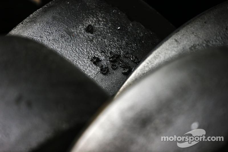 Pirelli pneumatici logori