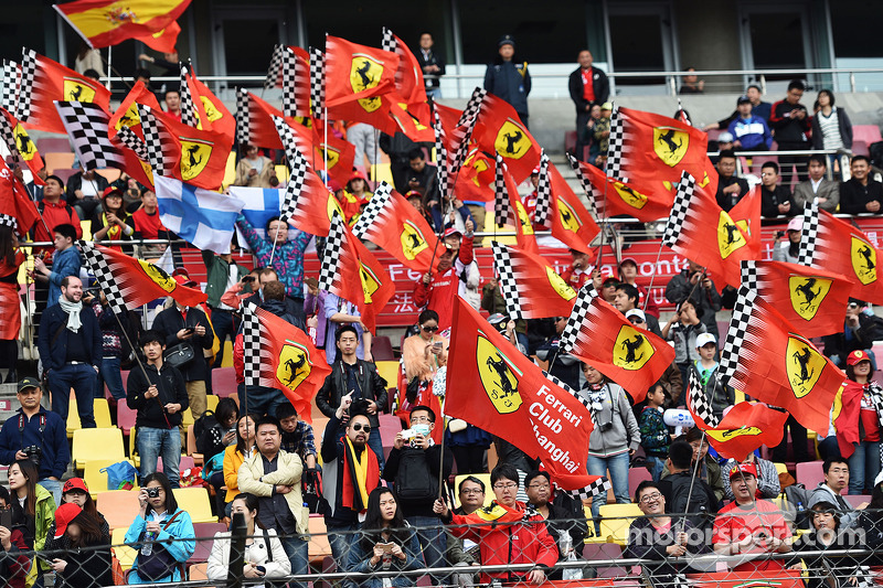 Ferrari taraftarları.