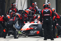 Max Chilton, Marussia F1 Team MR03 makes a pit stop