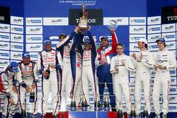 Ganadores Anthony Davidson, Nicolas Lapierre, Sebastien Buemi, segundos, Alexander Wurz, Stéphane Sarrazin, Kazuki Nakajima, terceros, Mark Webber, Brendon Hartley, Timo Bernhard
