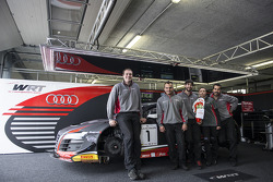 Feliz páscoa do Belgian Audi Club Team WRT
