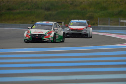 Gabriele Tarquini, Honda Civic WTCC, Castrol Honda WTCC Team and Sébastien Loeb, Citroën C-Elysee WTCC, Citroën Total WTCC