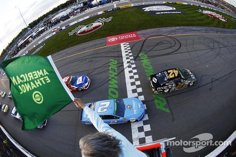 Partenza: Kyle Larson, Ganassi Racing Chevrolet al comando