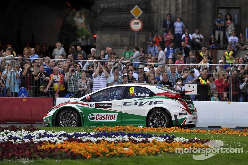 布达佩斯城市路演, 蒂亚戈·蒙特罗, 本田思域 WTCC, 嘉实多本田 WTCC车队