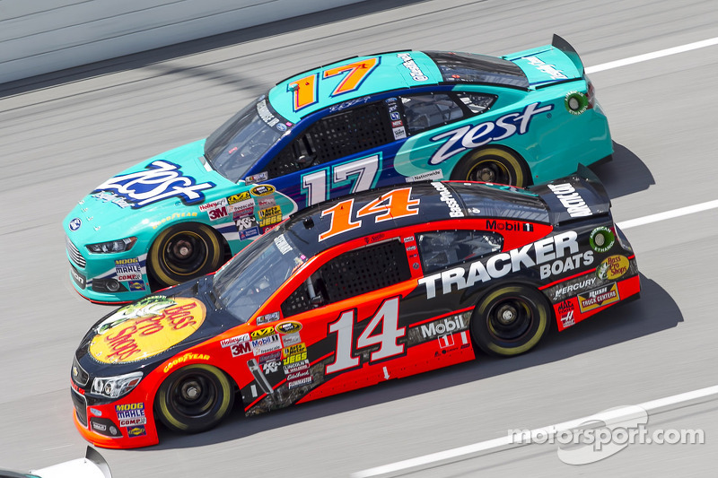 Tony Stewart y Ricky Stenhouse Jr.