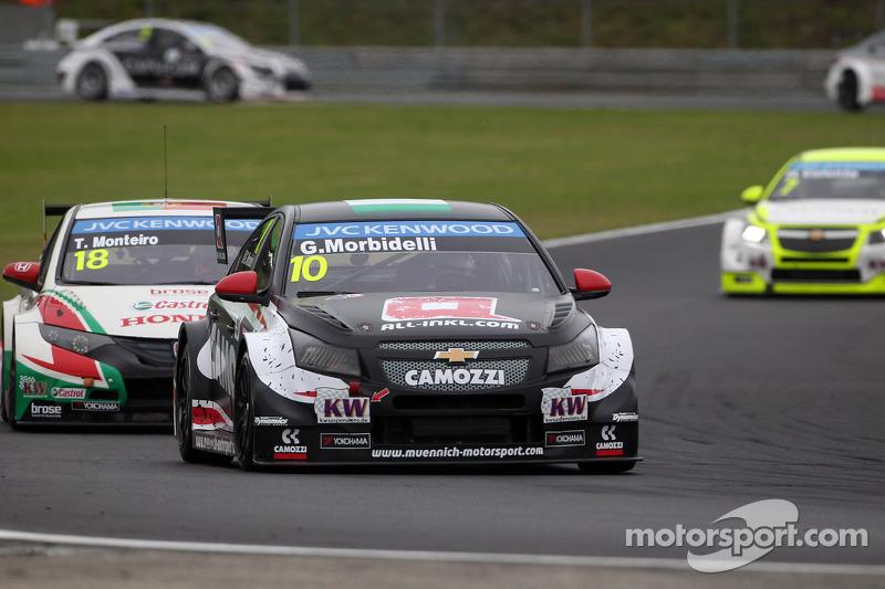 Gianni Morbidelli, Chevrolet RML Cruze TC1, ALL-INKL_COM Munnich Motorsport ve Tiago Monteiro, Honda