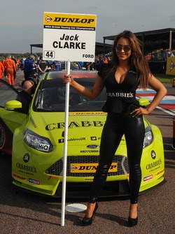 Crabbies Racing - Grid girl